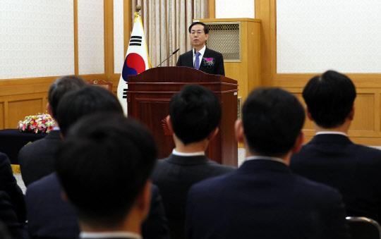"""취임식 가진 조재연 법원행정처장…""""사법부, 더 혁신해야"""""""